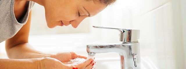 Die richtige Reinigung bei unreiner Haut